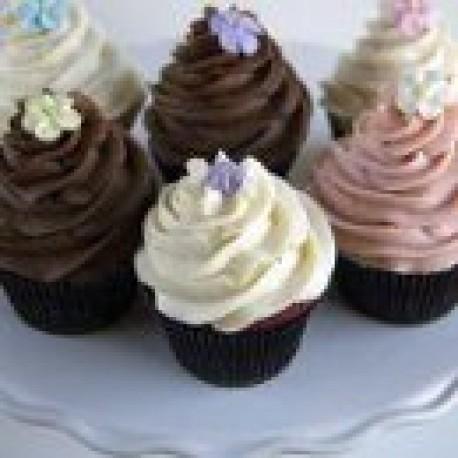 Flowers + 4 Fresh Cupcakes
